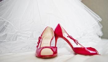 Why are wedding shoes important? / Zapatos de novia