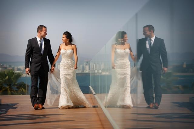 sweet elopement in barcelona