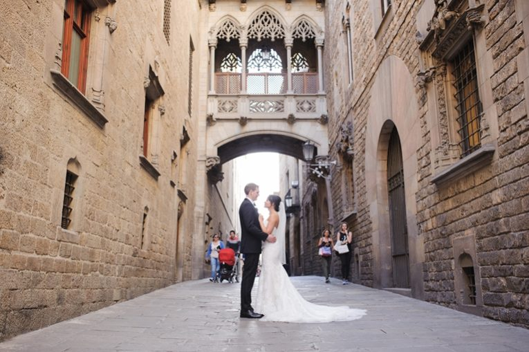 elopement old city barcelona (19)