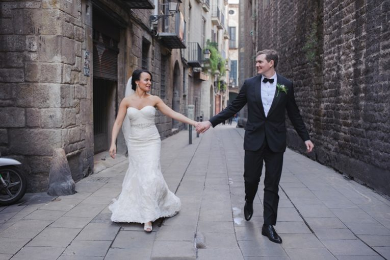 elope in the old city of Barcelona