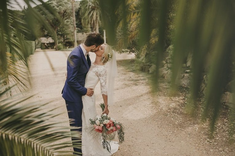 English styled wedding in Costa Brava  with the most romantic bouquet
