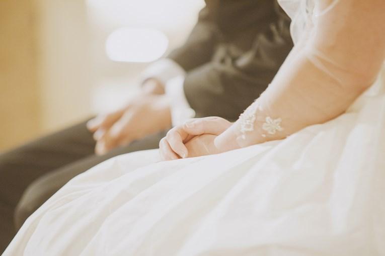 rustic-chic-wedding-11_765x509