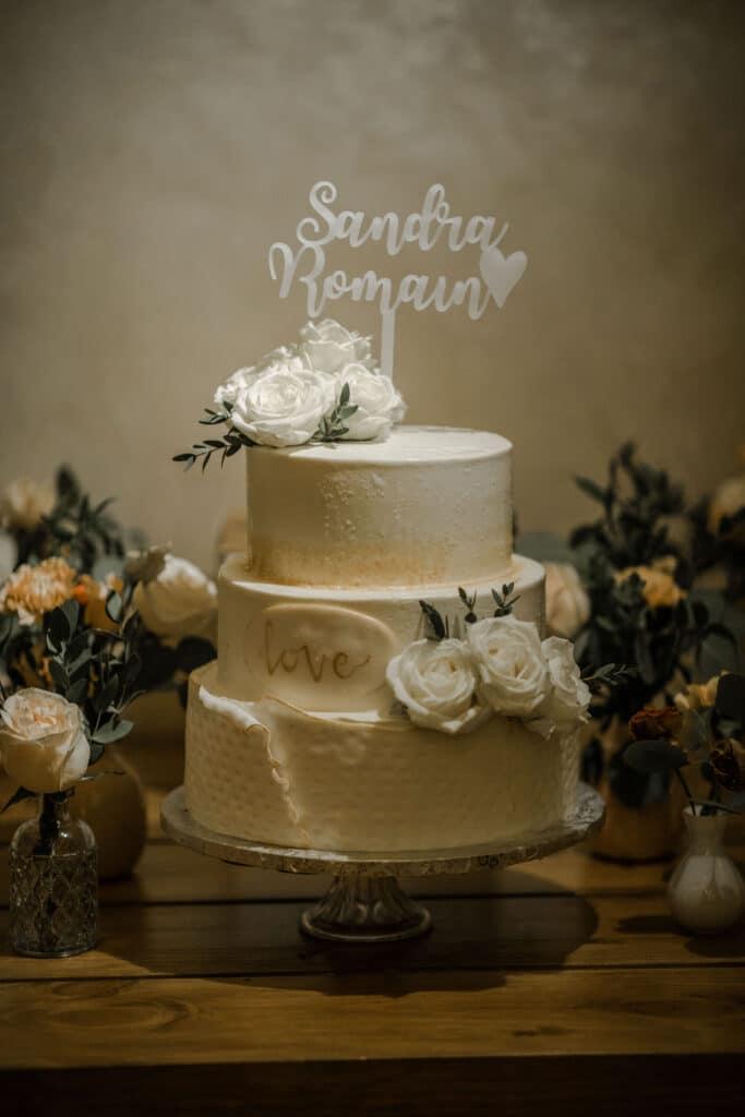 wedding cake marry me in spain